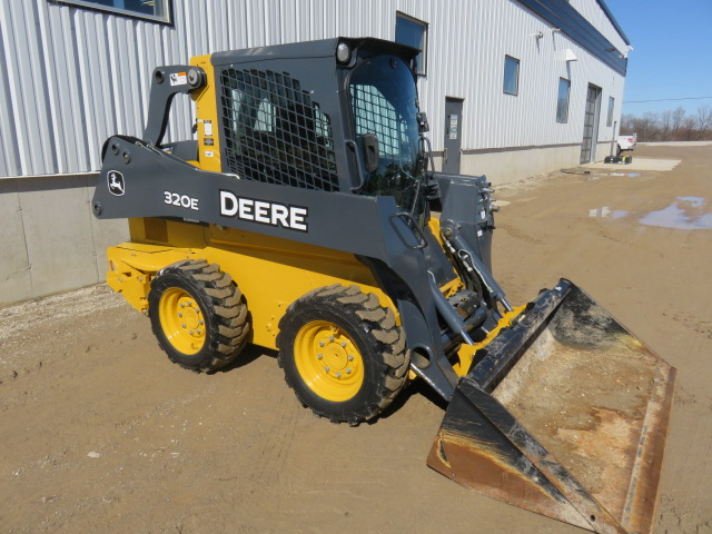 JD 320E (E77639) – $42,990.00