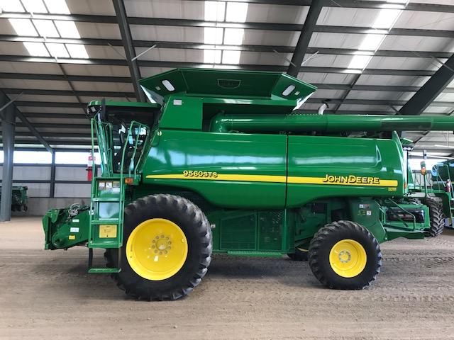 JD 9560 (E78024) – $139,980.00