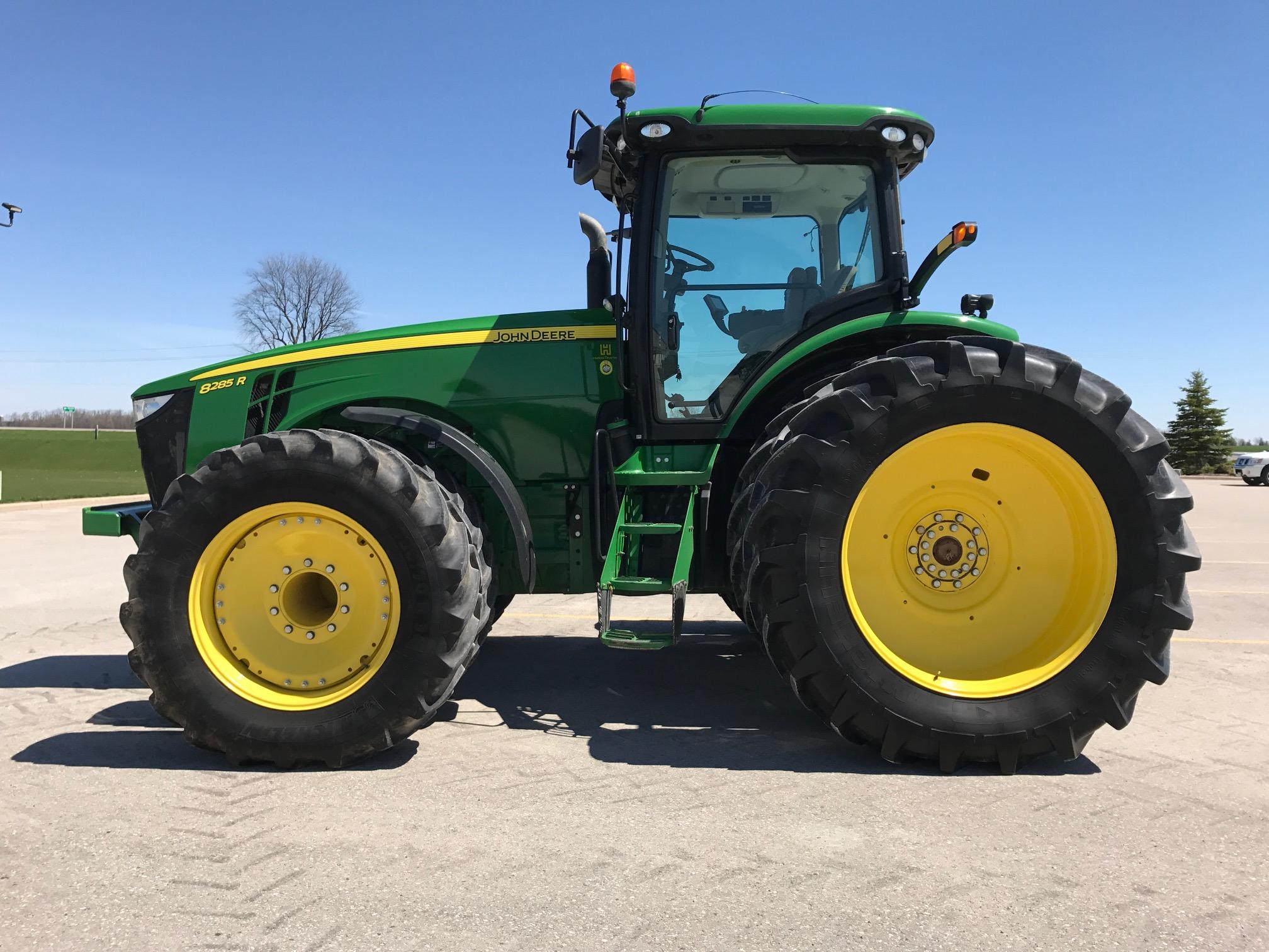 JD 8285R – $229,950.00