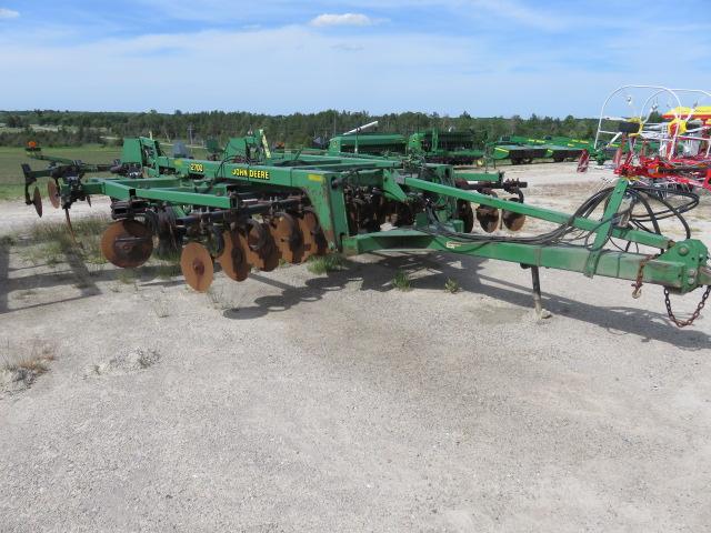 JD 2700 (E80116A) – $25,995.00