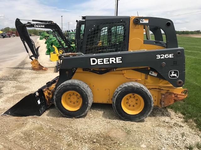 JD 326E (E81488) – $35,900.00