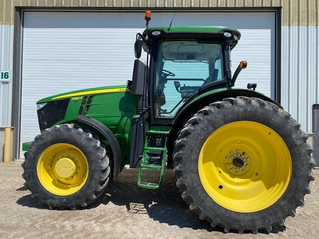 JD 7260R (E86076) – $185,270.00